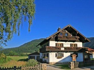 Ferienhäuser & Ferienwohnung Reit im Winkl buchen